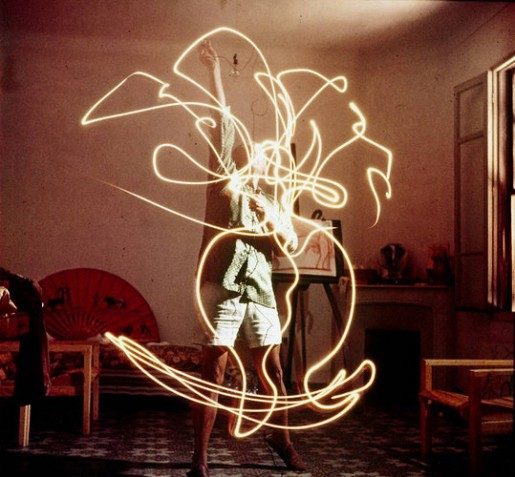 1671475-slide-picasso-light-painting-264-515x477