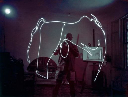 1671475-slide-picasso-light-painting-269-515x391