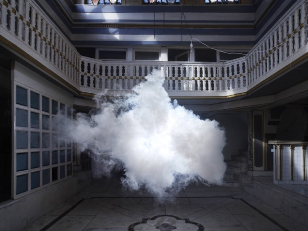 Indoor clouds by Berndnaut Smilde - 3