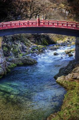 1128701180_beautiful bridge in nikko