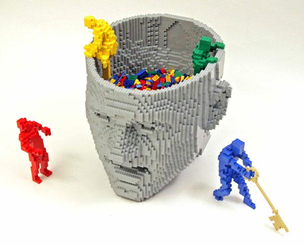 Incredible-LEGO-Art-by-Nathan-Sawaya-hypenotice-6