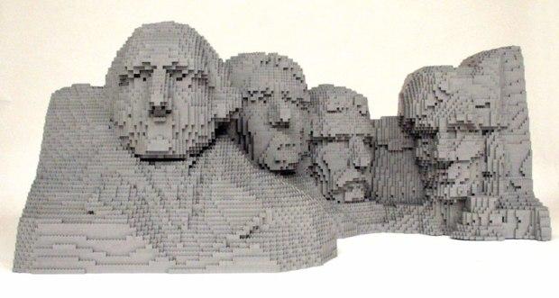 Incredible-LEGO-Art-by-Nathan-Sawaya-hypenotice-7