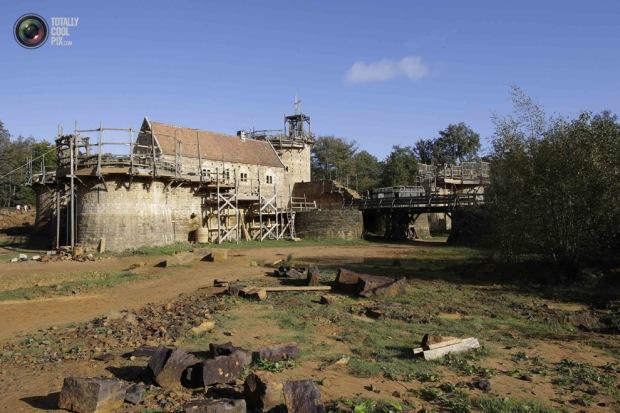 medieval_castle_france_010