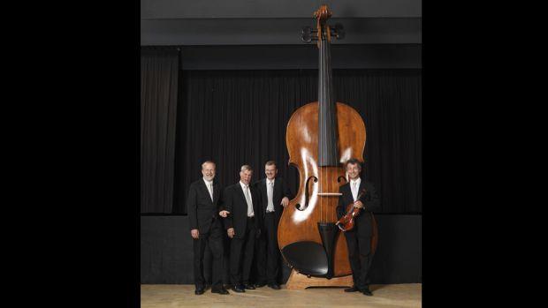 Record-Guinness-violin-grande-mundo_TINIMA20111028_1003_3